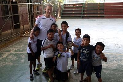 프로젝트 어브로드 봉사자와 코스타리카 학생
