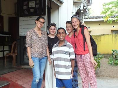 스리랑카 고교생 스페셜 봉사자들
