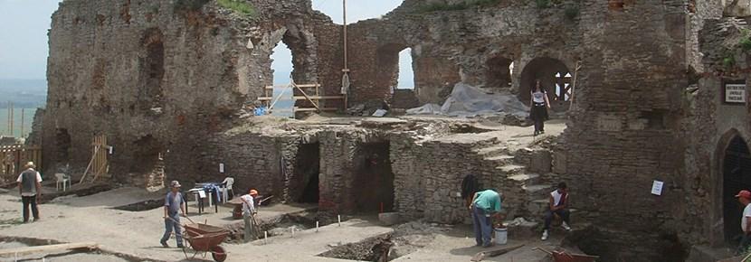 프로젝트어브로드 고고학 프로젝트 활동