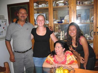 프로젝트어브로드 멕시코에서 호스트가정에 있는 봉사자