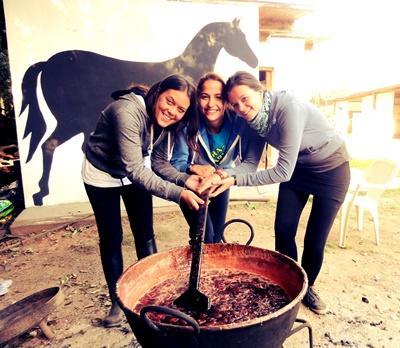 아르헨티나 승마테라피 프로젝트 활동중인 봉사자들