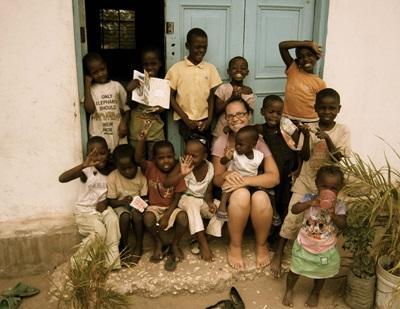 탄자니아 사회복지 프로젝트 봉사자가 맡은 교실