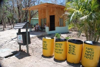 코스타리카 환경보호 프로젝트 재활용 쓰레기통