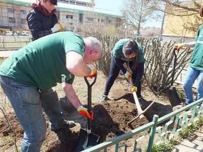 지역사회 프로젝트에서 함께 일하는 시니어스페셜 봉사자그룹