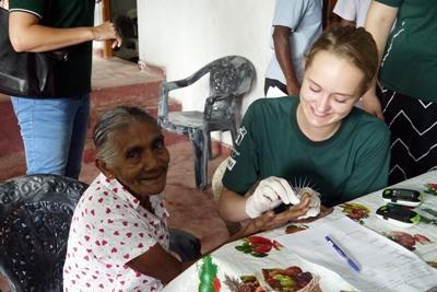 스리랑카 고교생 치의학 참가자