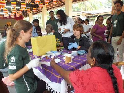 스리랑카 고교생 의료 프로젝트 봉사자