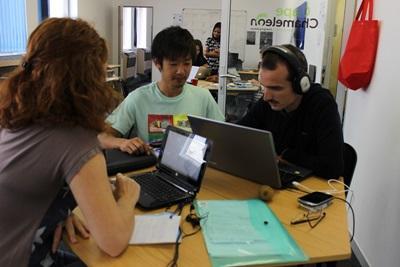 남아공에서 일하는 저널리즘 인턴들