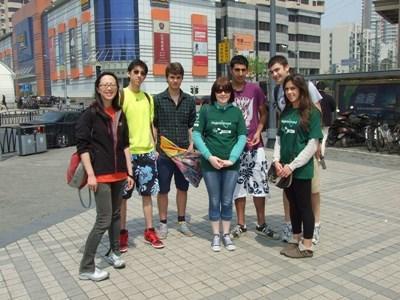 중국에서 중국어 만다린어를 배우고 있는 자원봉사자들