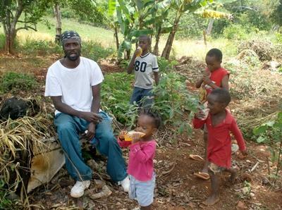 자메이카 지역사회에서 일하고 있는 인권 프로젝트 봉사자들