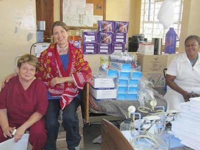 탄자니아 치의학 프로젝트 봉사자와 스태프