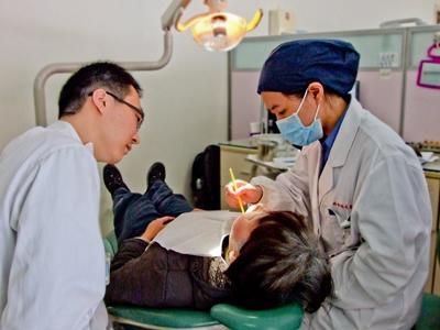 프로젝트어브로드 베트남 치의학 인턴쉽에 참가하는 인턴