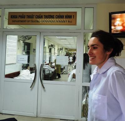 병원에서 활동중인 베트남 간호 프로젝트 봉사자
