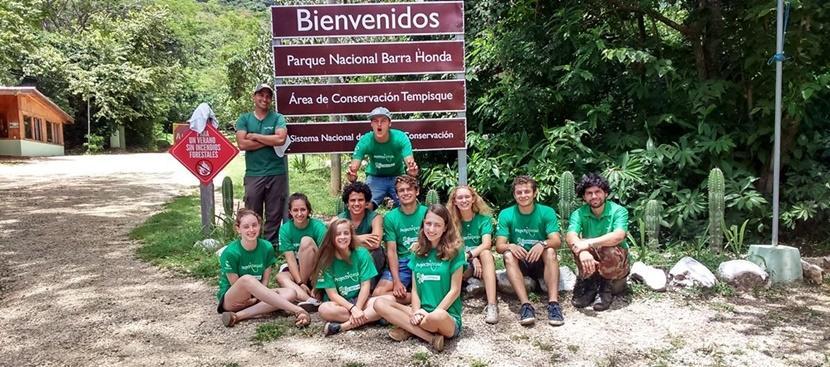 코스타리카의 환경보호 & 지역사회 중학생 스페셜에 참여한 학생들